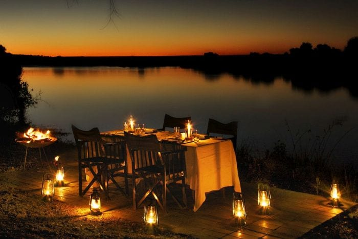 pop-the-question-in-river-dining