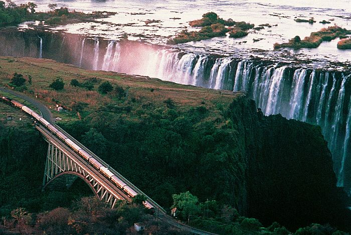 Luxury Trains in South Africa - Rovos Rail to Victoria Falls